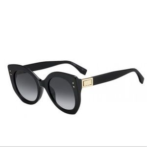 🕶Brand new Fendi Peekaboo sunglasses 🕶